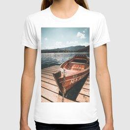 lake bled autumn scene T-shirt