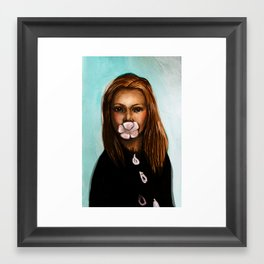 She only says nice things Framed Art Print