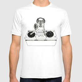 Shiba Inu Dog DJ-ing T-shirt