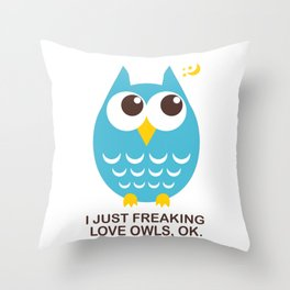 I love Owls Throw Pillow
