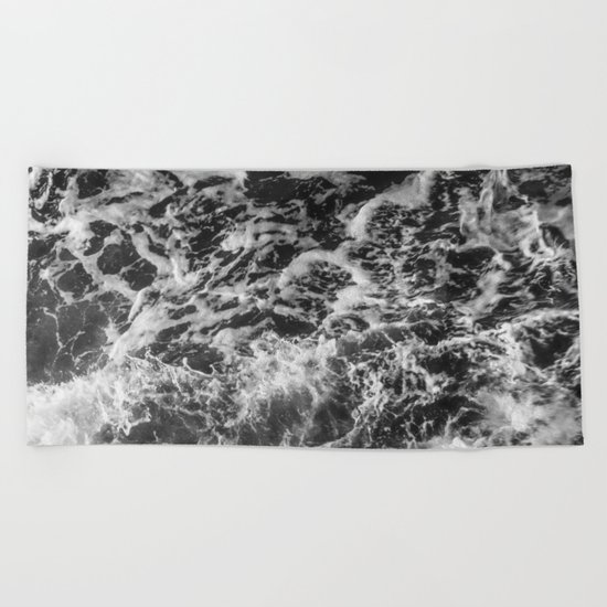 Black and white waves Beach Towel