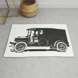 Old car 7 Rug