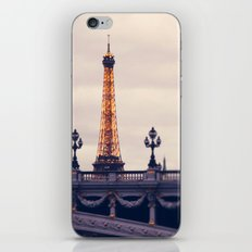 la tour eiffel iPhone & iPod Skin