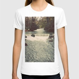 Rocky River Waterfall Englischer Garten Germany Color Photo Isar River T-shirt