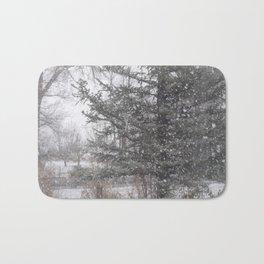 Soft snow falling Bath Mat