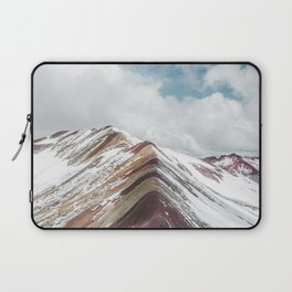 Snow-capped Rainbow Mountain (Montaña de Siete Colores) in the Andes mountains, Peru Laptop Sleeve