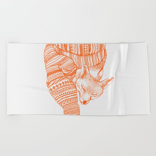 FOX IN THE SNOW Beach Towel