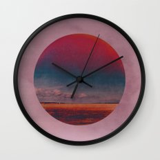 Coloring the Colour in the Sea Wall Clock