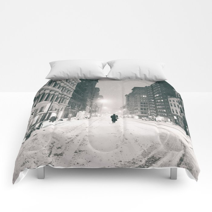 New York - Snow at Night Comforters