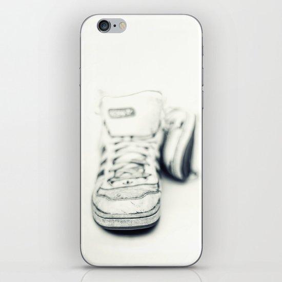 Dancing Barefoot.... iPhone & iPod Skin