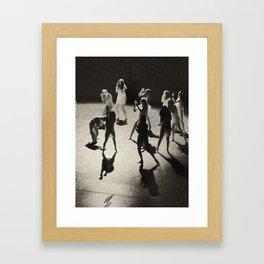 Ombres dansées Framed Art Print