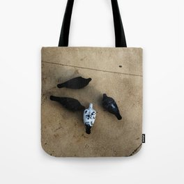 The pigeons' snack time Tote Bag