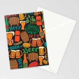 beer icons seamless pattern (hops leaf, wooden barrel, glass, can, mug, bottles) Stationery Cards