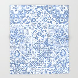 celtic cloud blue Throw Blanket