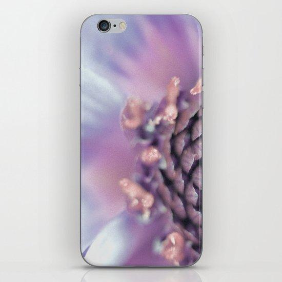 Violett Flower iPhone & iPod Skin