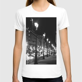 A view down the Rue de Rivoli outside of the Louvre Museum T-shirt