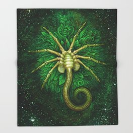 Facehugger (green) Throw Blanket