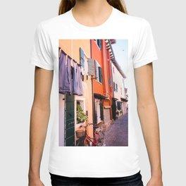 Colorfull houses | Italiy Venice Caorle  T-shirt