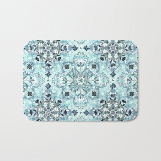 Soft Mint & Teal Detailed Lace Doodle Pattern Bath Mat