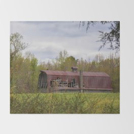 Red Roof Barn Throw Blanket