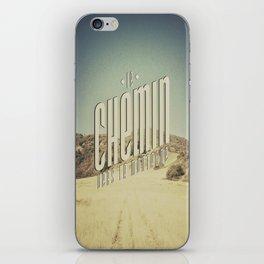 Le Chemin Vers La Montagne iPhone Skin