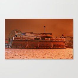 Coney Island - Gregory & Pauls in the winter Canvas Print
