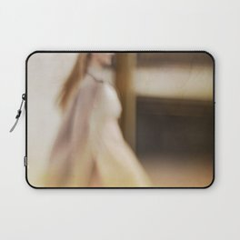 Walking woman 5 Laptop Sleeve