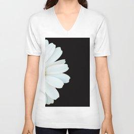 Hello Daisy - White Flower Black Background #decor #society6 #buyart Unisex V-Ausschnitt