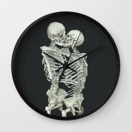 Valentine's Day: Skeleton Kiss Wall Clock