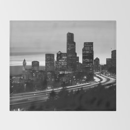 Seattle Skyline Sunset City - Black and White Throw Blanket