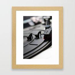 Scratching Circles Framed Art Print