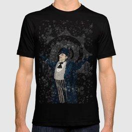 Oswald Cobblepot - The King Penguin Returns! T-shirt