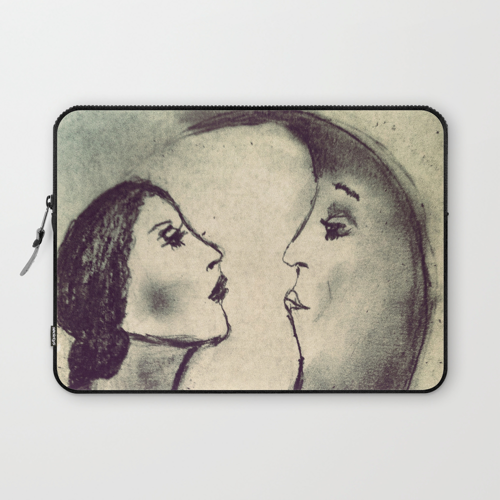 Woman In The Moon Laptop Sleeve LSV812878