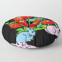 deux lapins dans le jardin Floor Pillow