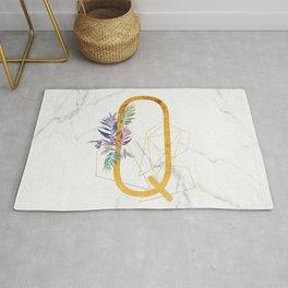 Modern glamorous personalized gold initial letter Q, Custom initial name monogram gold alphabet prin Rug