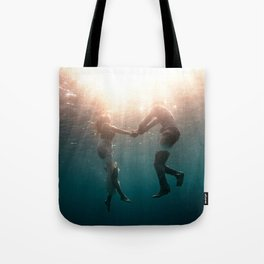 Breaking Up-Surreal Couple in the Ocean Tote Bag