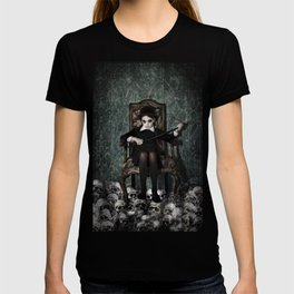 Queen of Skulls T-shirt