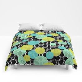 Fashion trends , polka dot 3 Comforters