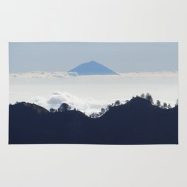 Island in the clouds Rug