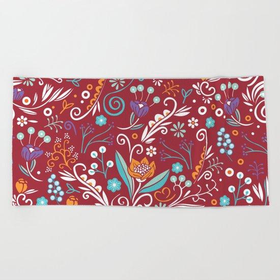 Flower circle pattern, red Beach Towel