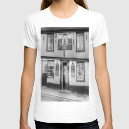The Coopers Arms Pub Rochester T-shirt