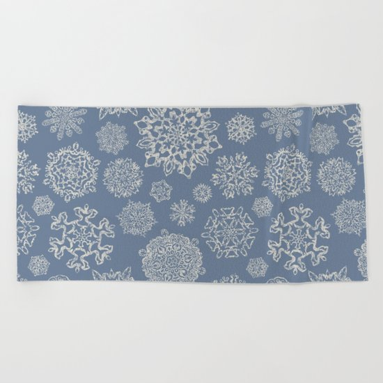 Merry Christmas- Abstract christmas snow star pattern on fresh grey I Beach Towel