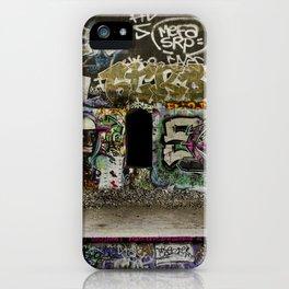 Grafiti dans les tunnels de la Petite Ceinture // Grafiti in the tunnels of the Petite Ceinture iPhone Case