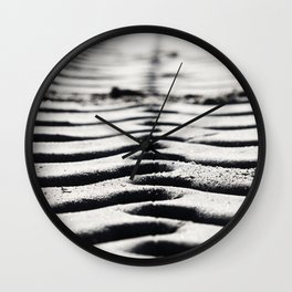 Traces in the sand 3 Wall Clock