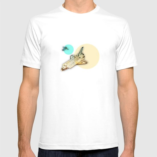 Lost in space _ Tribute to space tarvel T-shirt