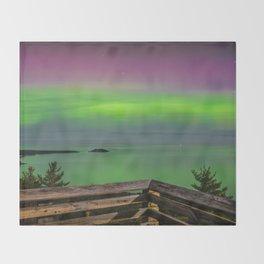 Sugar Loaf Northern Lights Throw Blanket