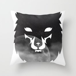 Howling to the moon Throw Pillow