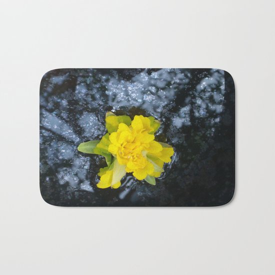 Narcissus, Oh such a Narcissus! Bath Mat