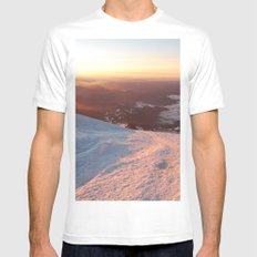 Sunrise above the earth - 14,411 feet Mt. Rainier White MEDIUM Mens Fitted Tee