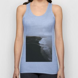 Moody black sand beach in Iceland - Landscape Photography Unisex Tank Top